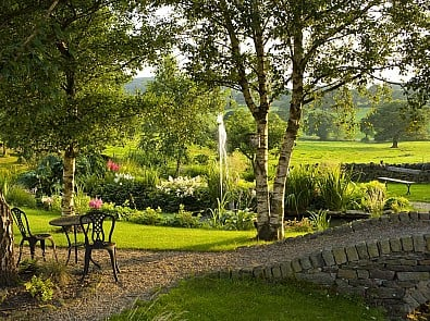 85% say garden visiting is good for the soul